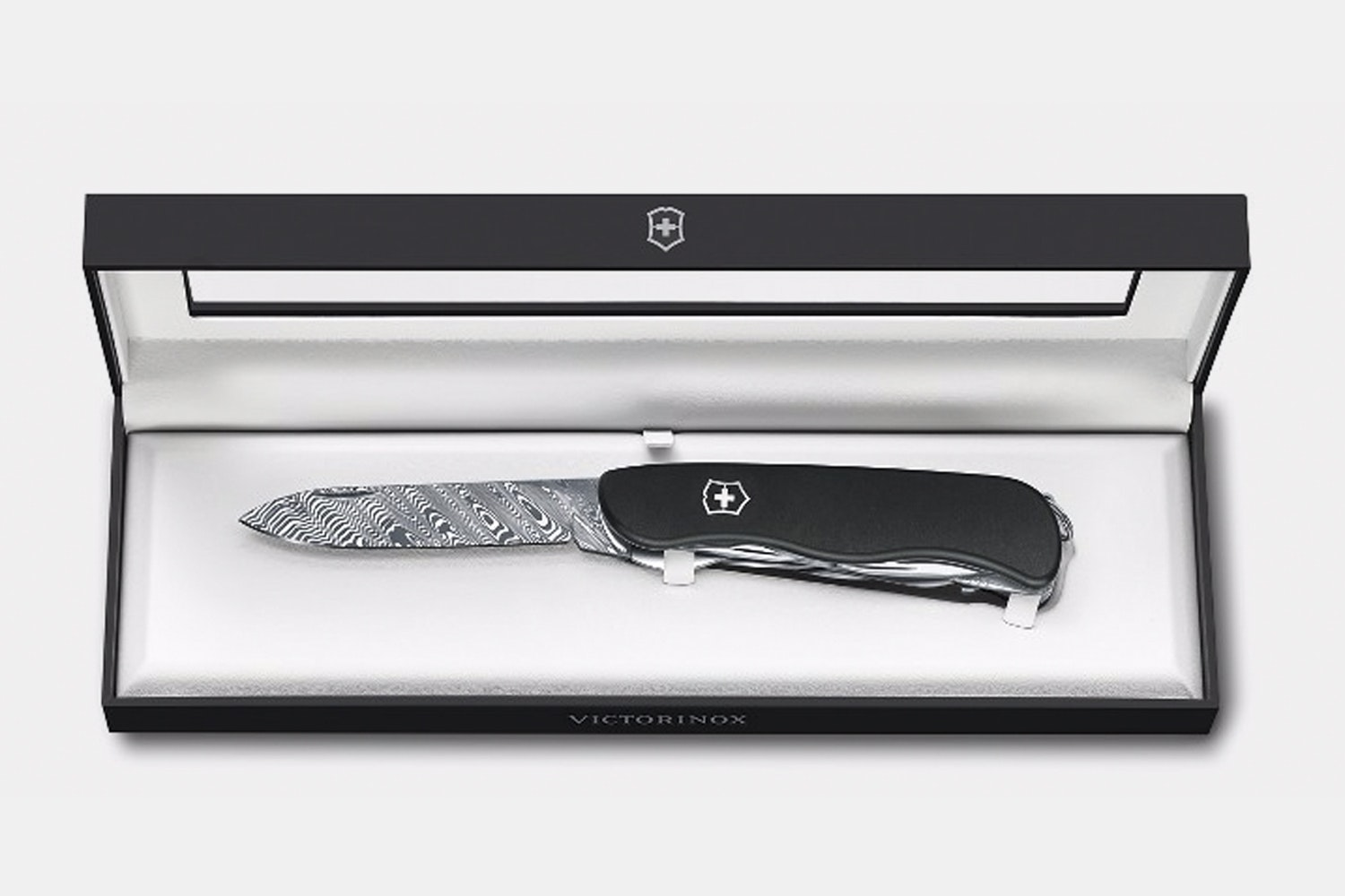 Victorinox Swiss Army LE 2017: Outrider Damast