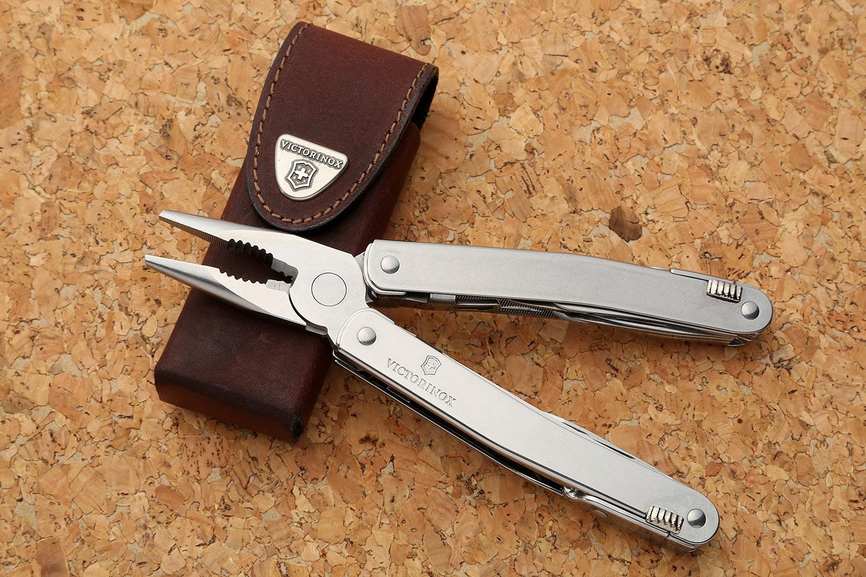 Victorinox SwissTool Spirit w/Leather Pouch