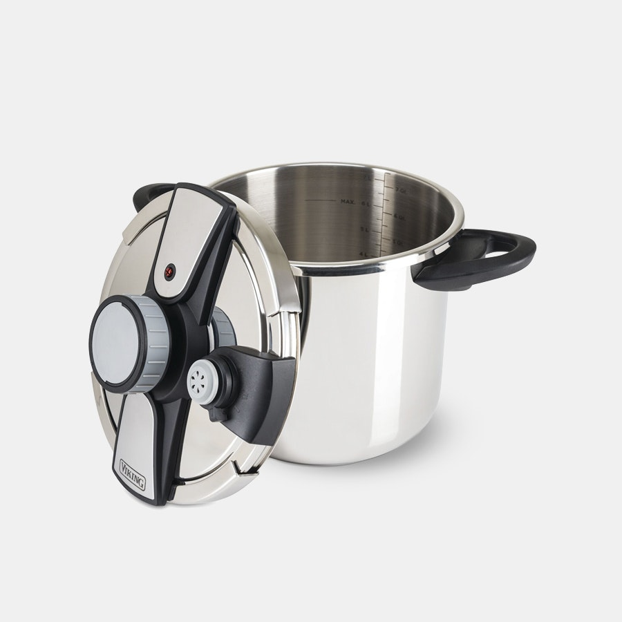 Viking Easy Lock Pressure Cooker w/ Steamer