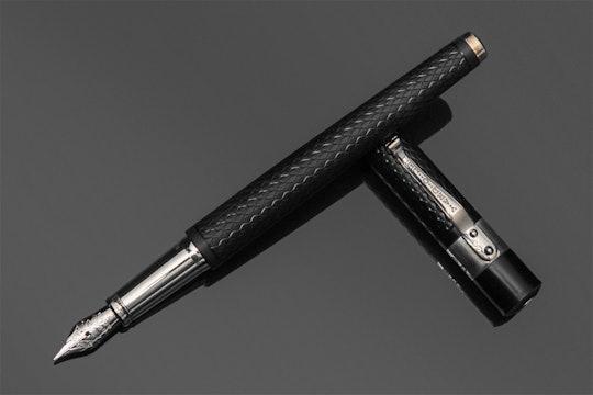 Yard-O-Led Retro Fountain Pen